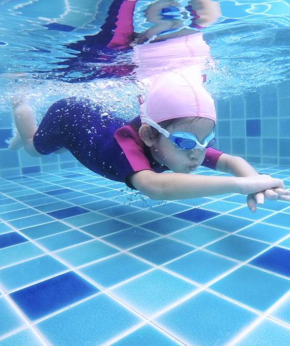 La scuola nuoto si vende da sola